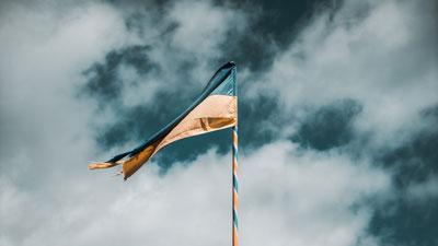 Windrichtung bestimmen mit einer Flagge